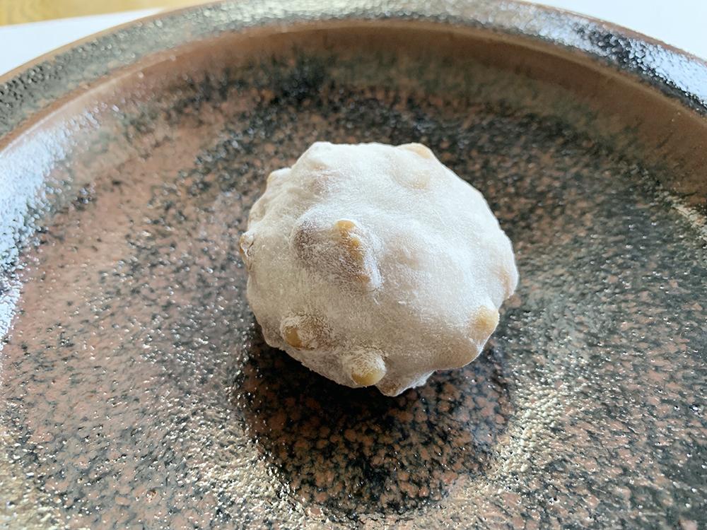 吉岡製菓のキャラメルくるみ餅